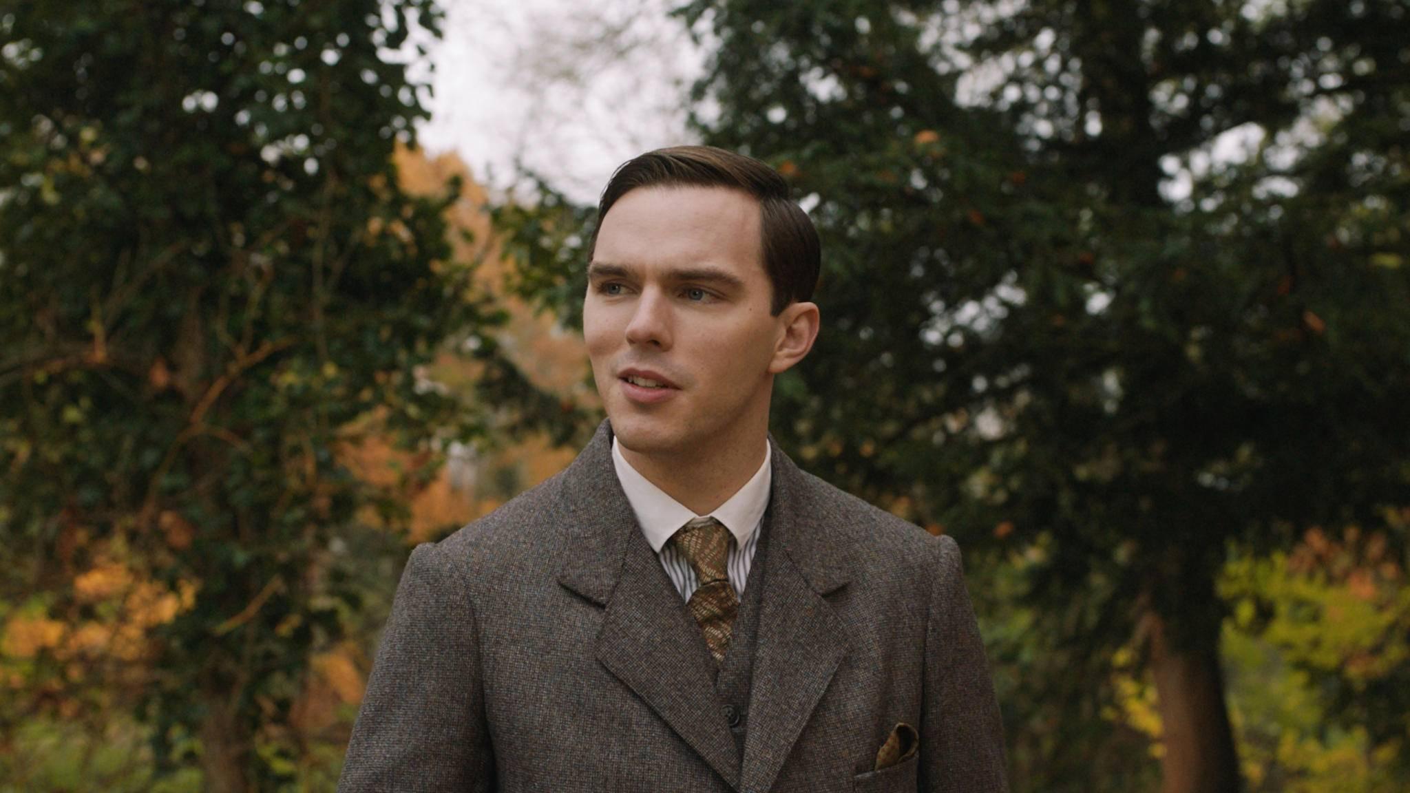 Nicholas Hoult wird in der Filmbiografie zum Autor J. R. R. Tolkien.