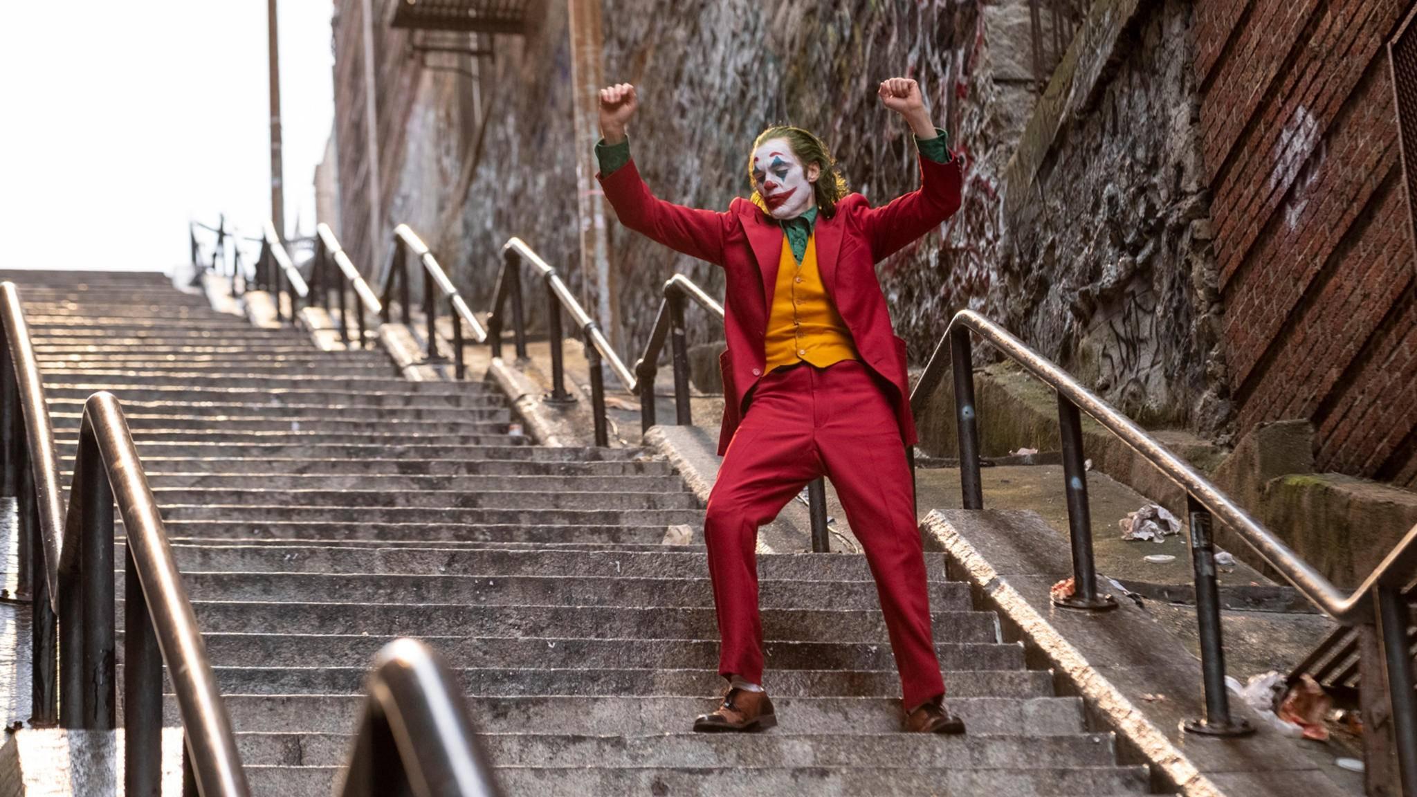 """""""Joker"""" zeigt Arthur Flecks langsamen Abstieg in den Wahnsinn – auch bildlich, per Treppe."""