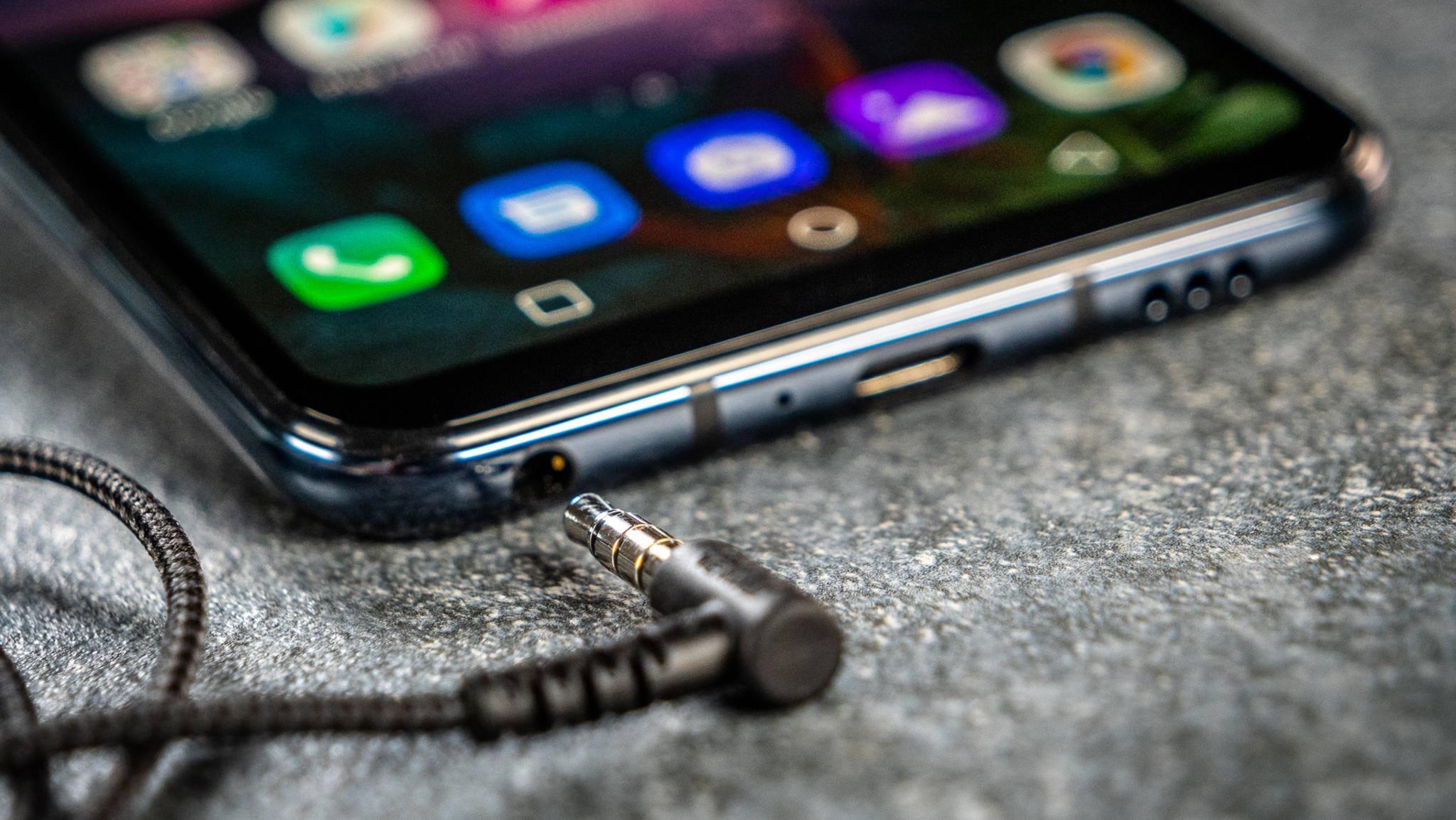 Der Kopfhöreranschluss im Smartphone gehört zu einer aussterbenden Spezies.