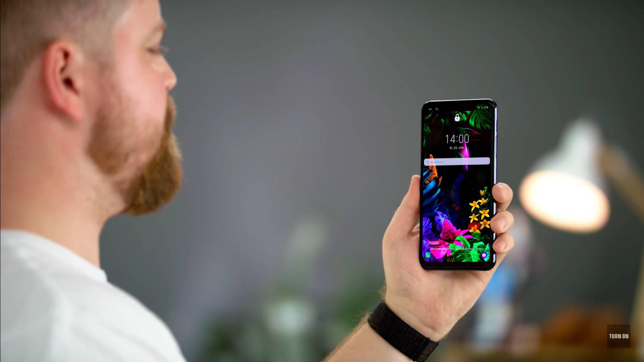 Das LG G8s bietet ein Face-ID-ähnliches System für die Entsperrung mit dem Gesicht – oder der Hand.
