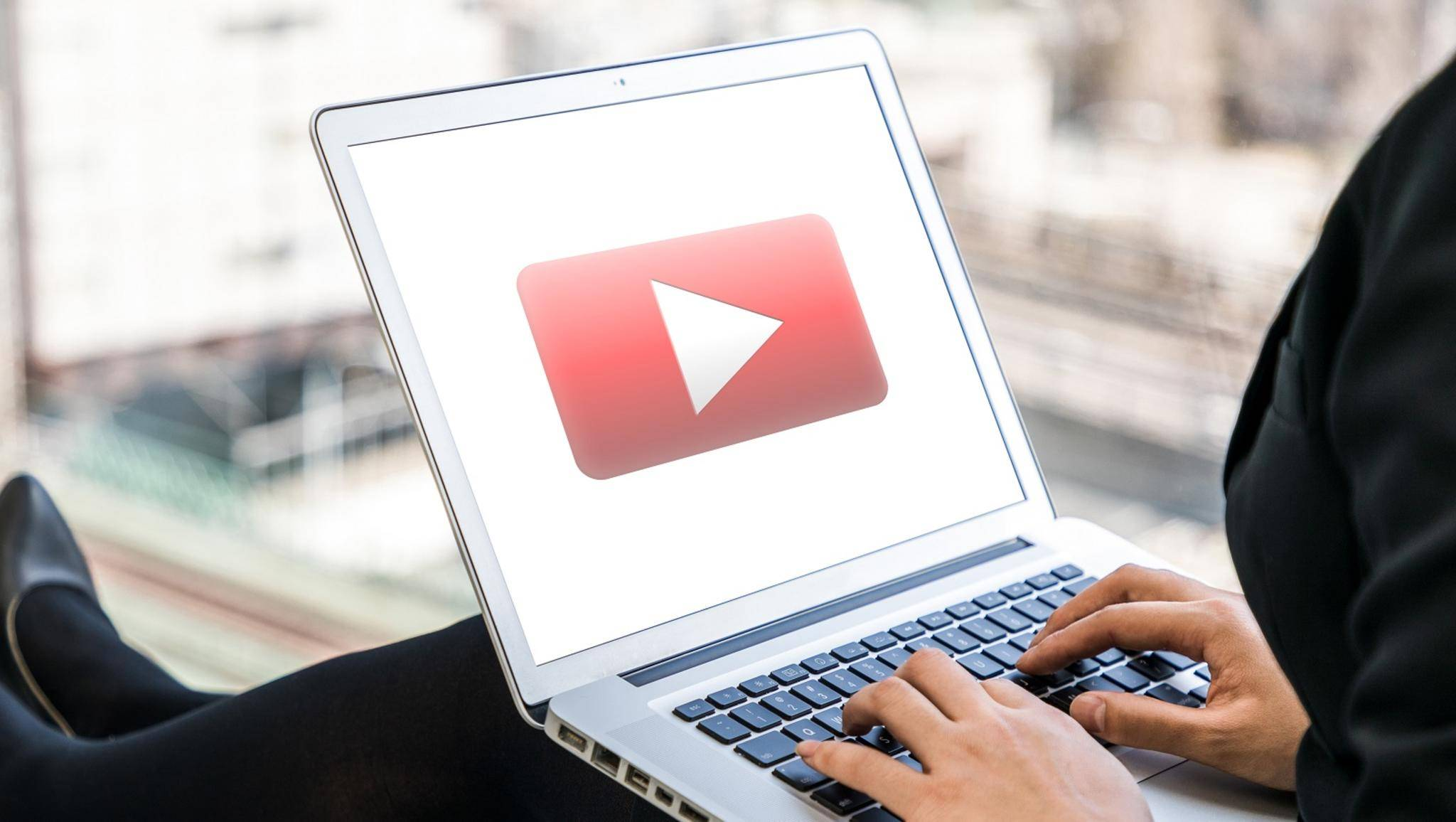 YouTube auf einem Laptop