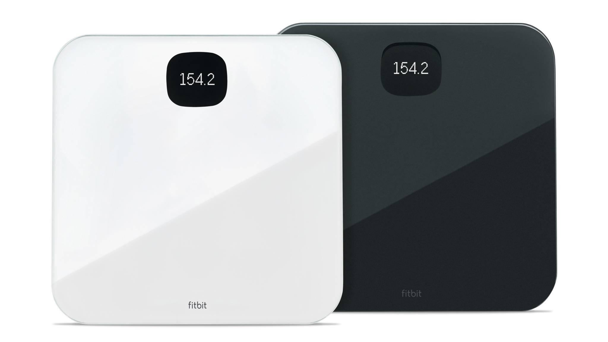 Die Fitbit Aria Air erscheint in den Farben Weiß und Schwarz.