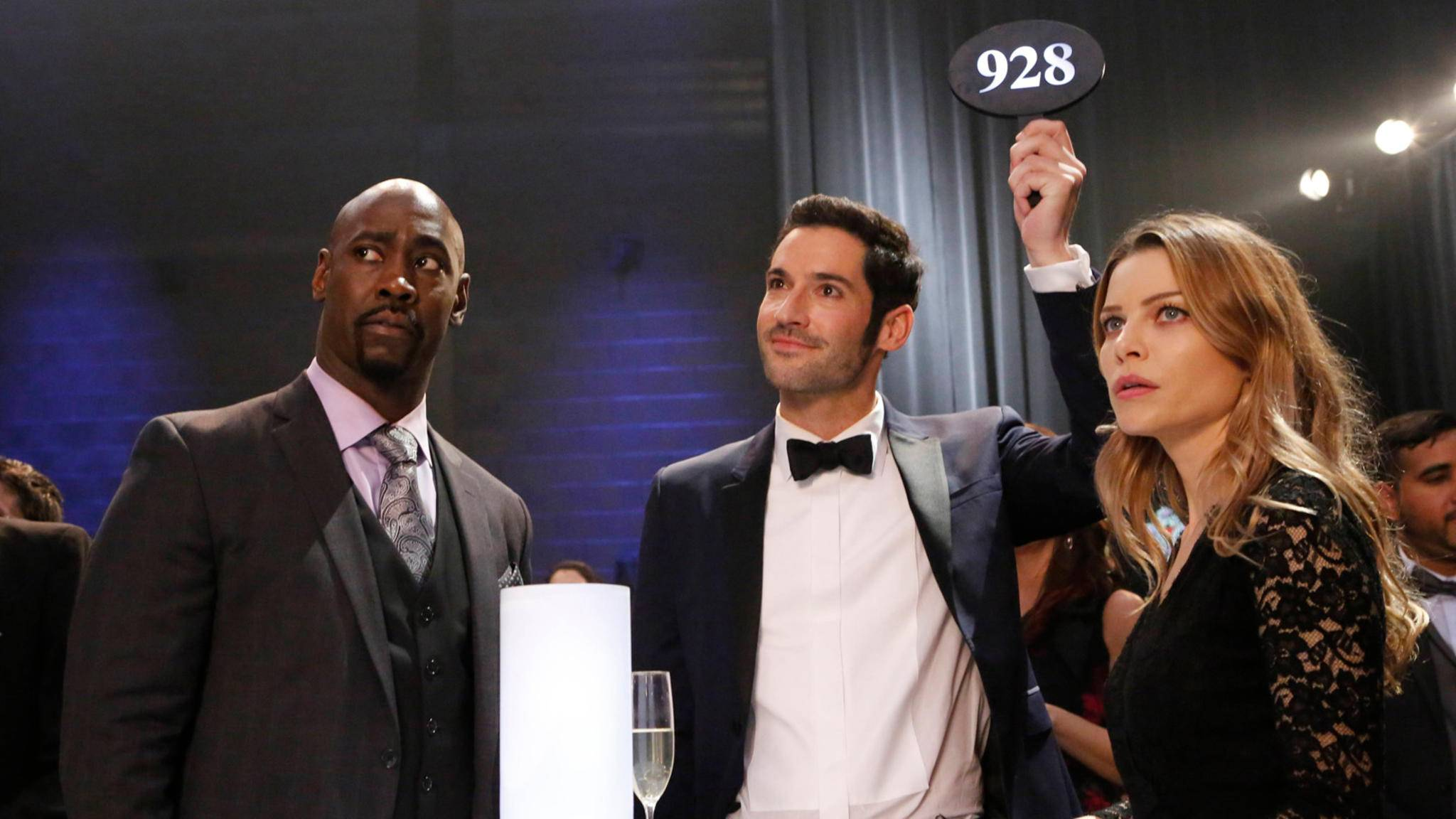 "D. B. Woodside, Tom Ellis und Lauren German in ""Lucifer"""