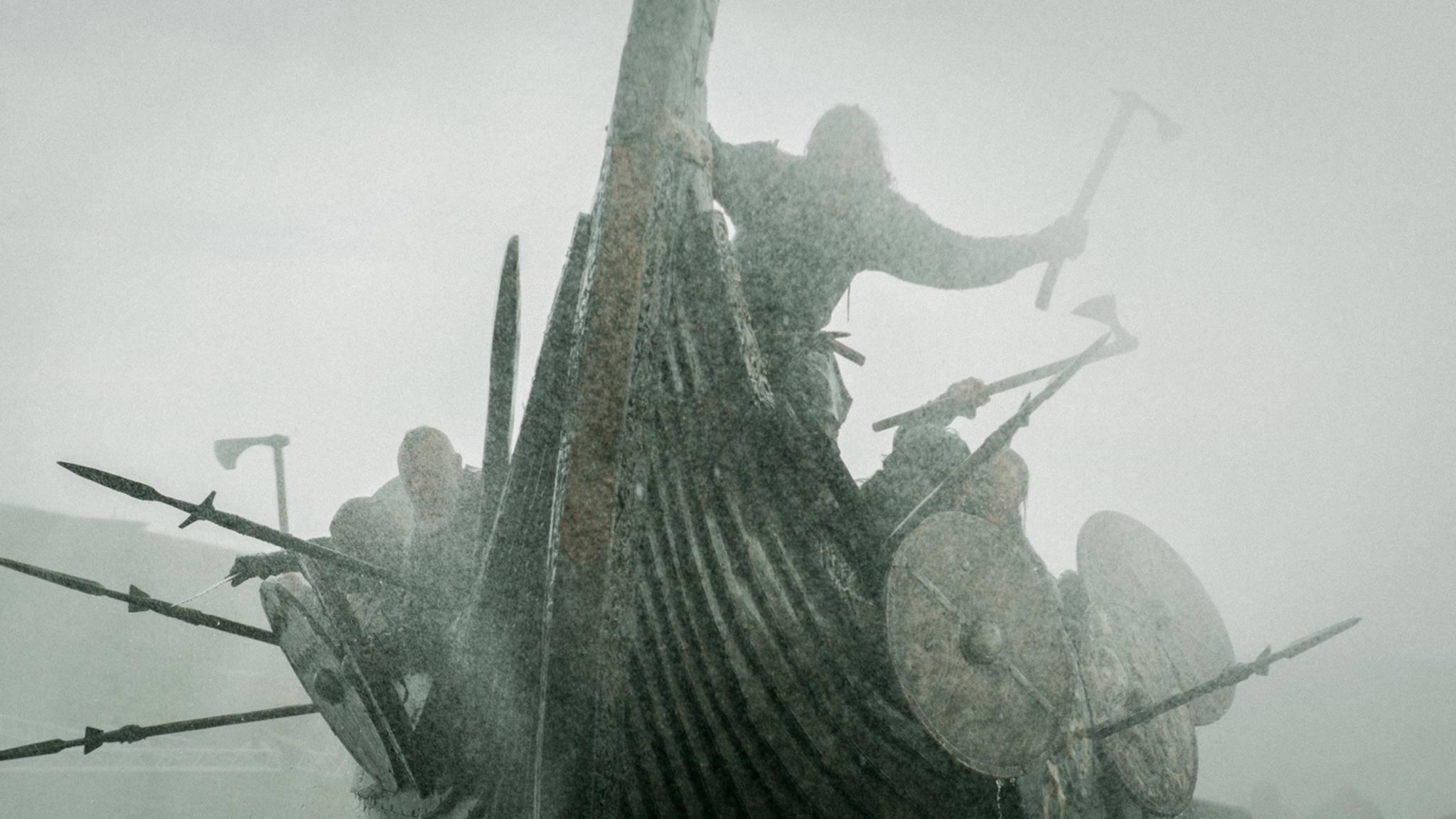 """Morden, plündern, brandschatzen: Die rauen Wikinger sind die Hauptdarsteller zahlreicher Filme wie """"Viking""""."""
