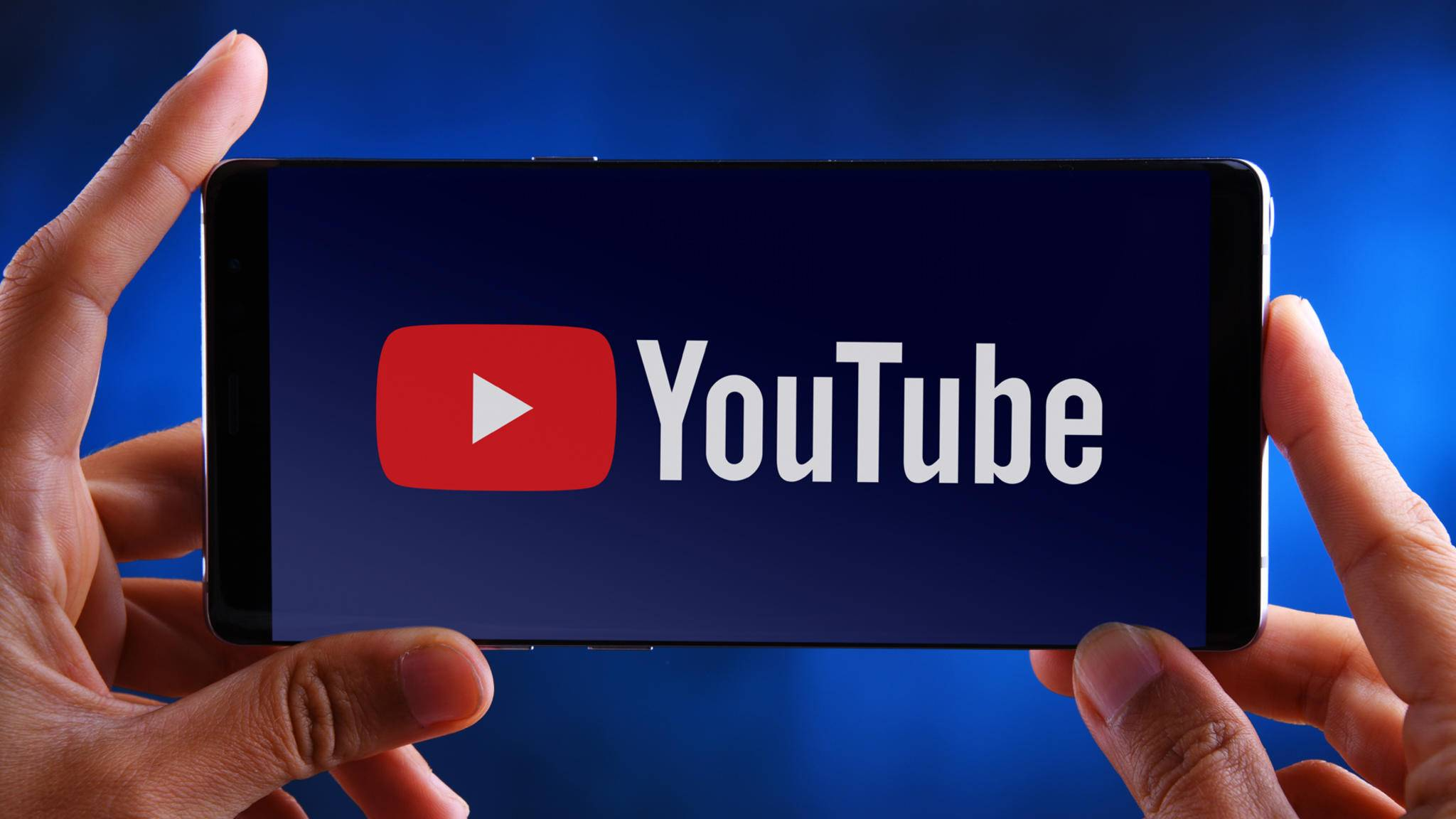 YouTube Logo Display smartphone