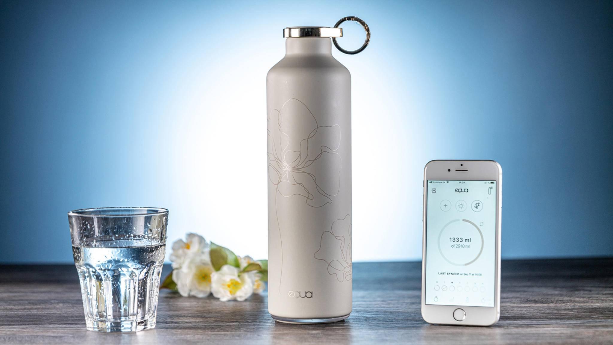 Dein gutes Trink-Gewissen: Die Thermosflasche Equa Smart passt auf, dass Du genug Flüssigkeit zu Dir nimmst.