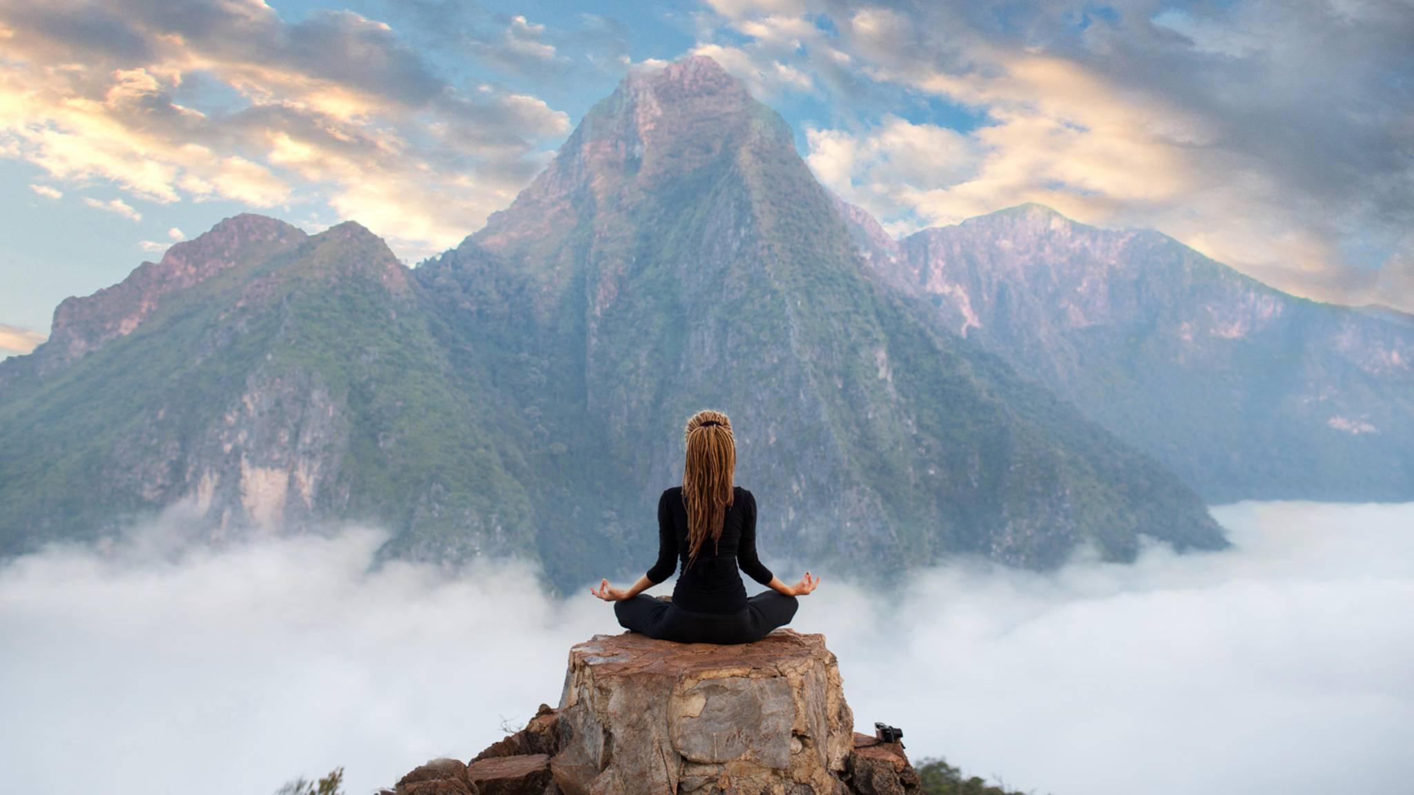 Meditation-Glebstock-AdobeStock