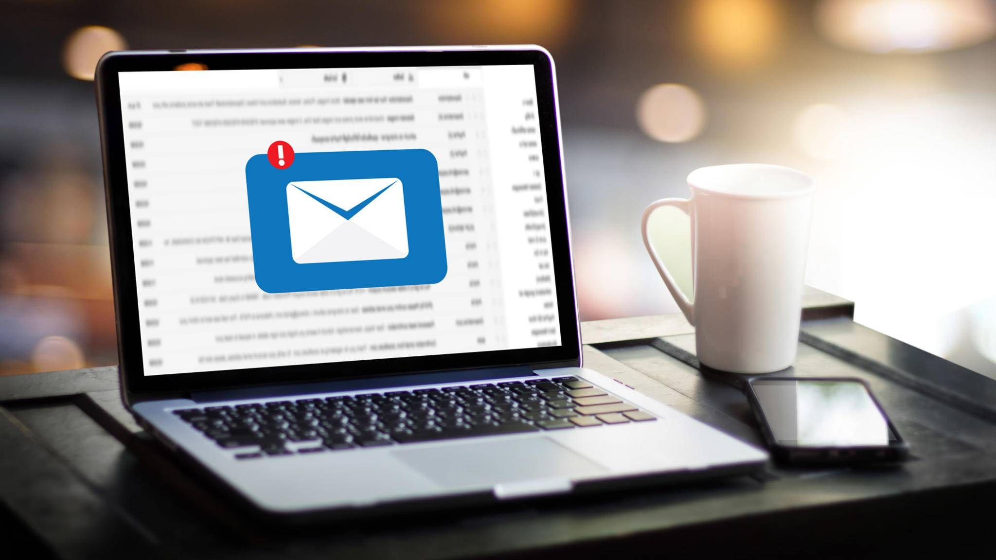 e-mail-laptop