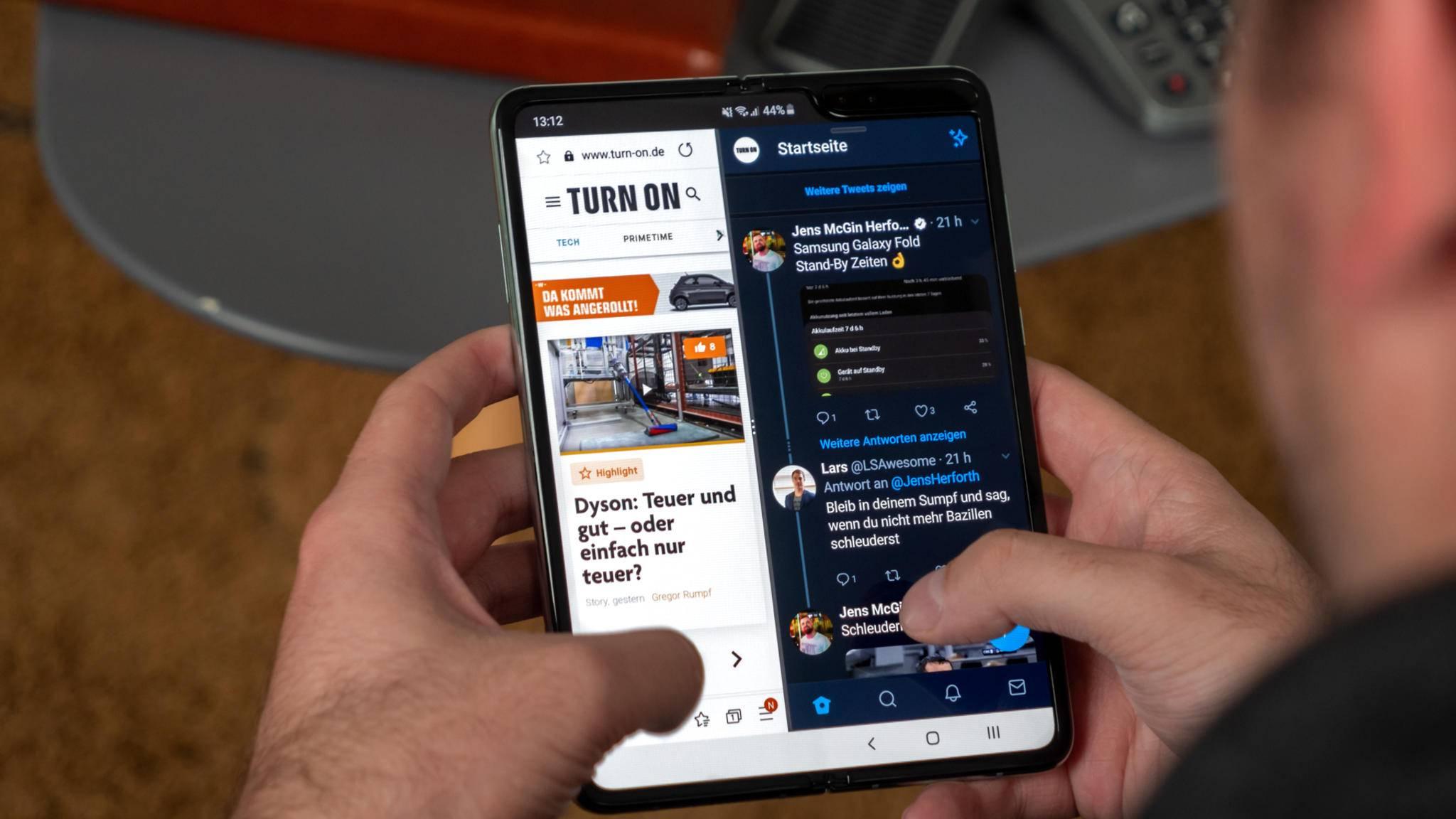 Der Nachfolger des Galaxy Fold (im Bild) soll wegen Problemen bei der Produktion noch etwas auf sich warten lassen.