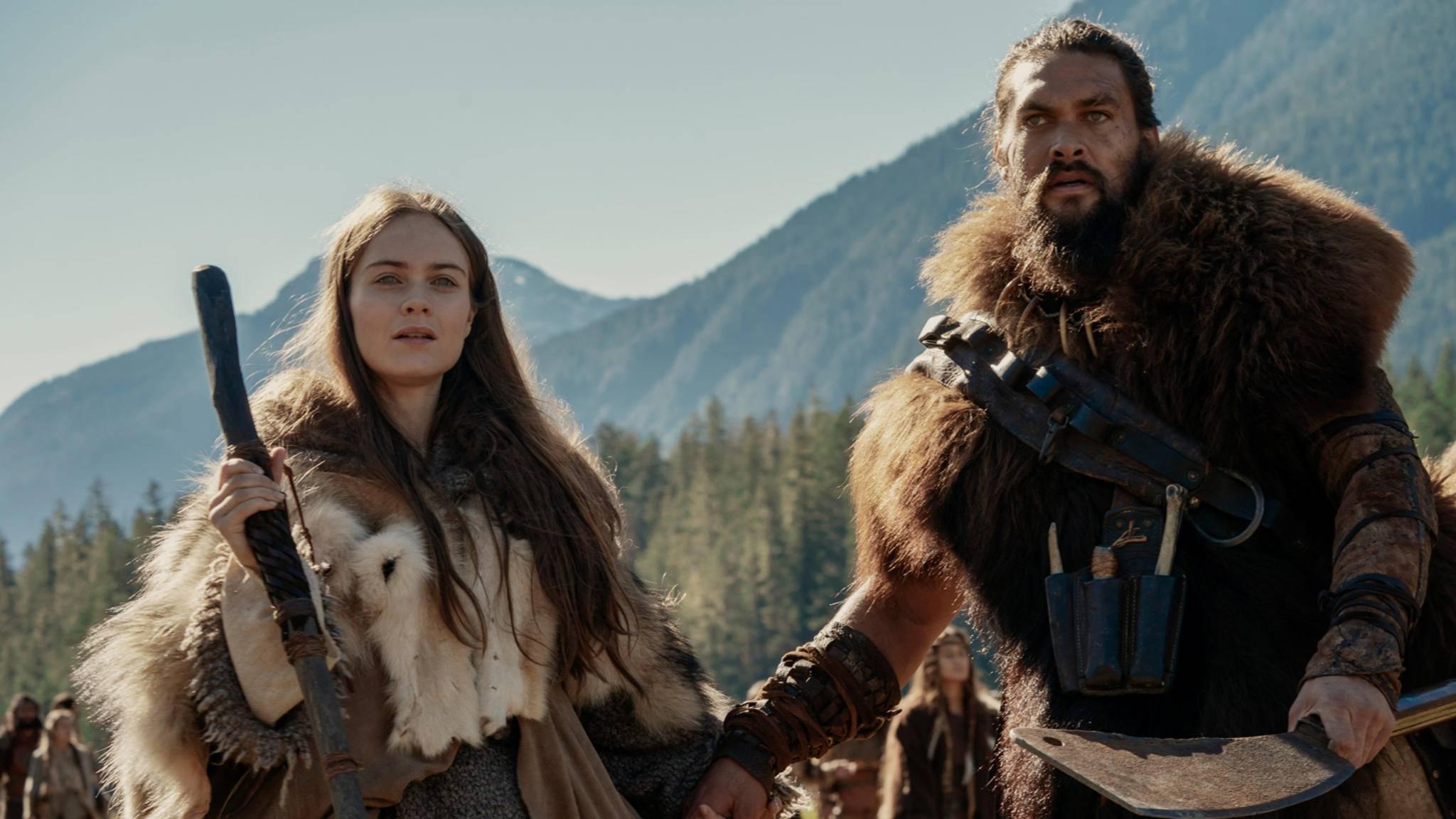 """Hera Hilmar und Jason Momoa in der Apple-Serie """"See"""""""