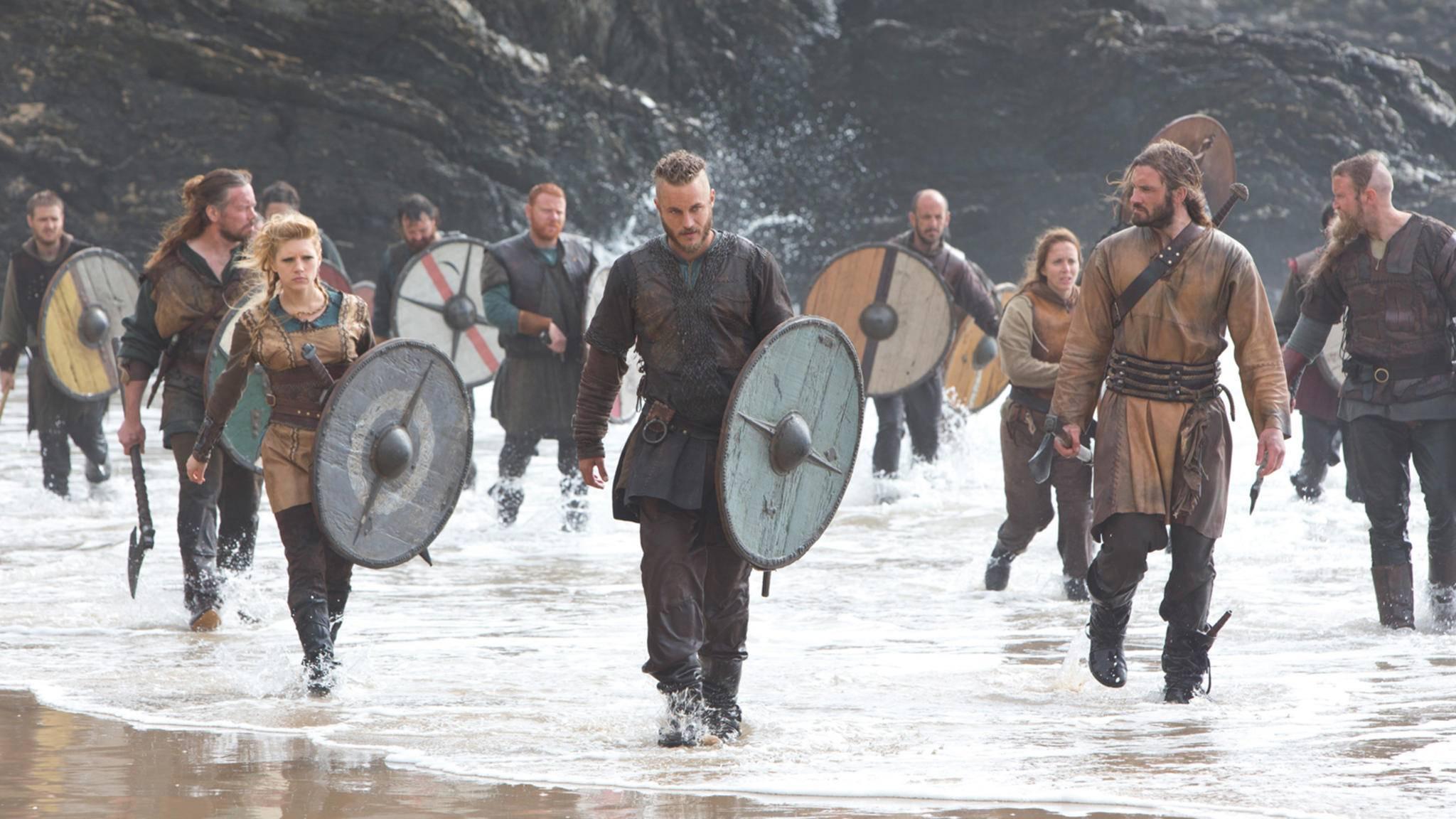 """Ragnar, Lagertha und Rollo in Staffel 1 von """"Vikings"""""""