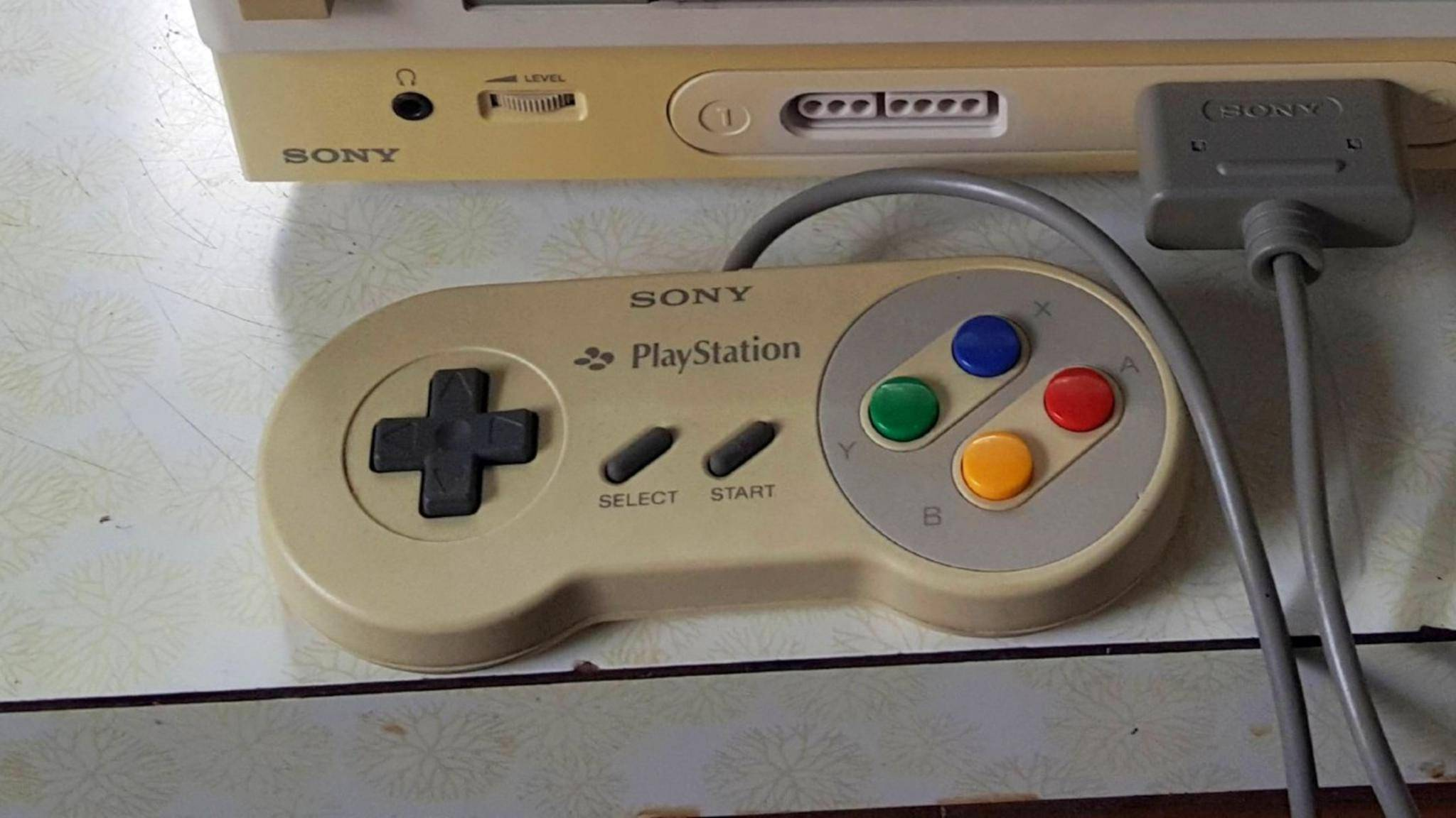 Seltener Prototyp: SNES-Controller mit PlayStation-Schriftzug.