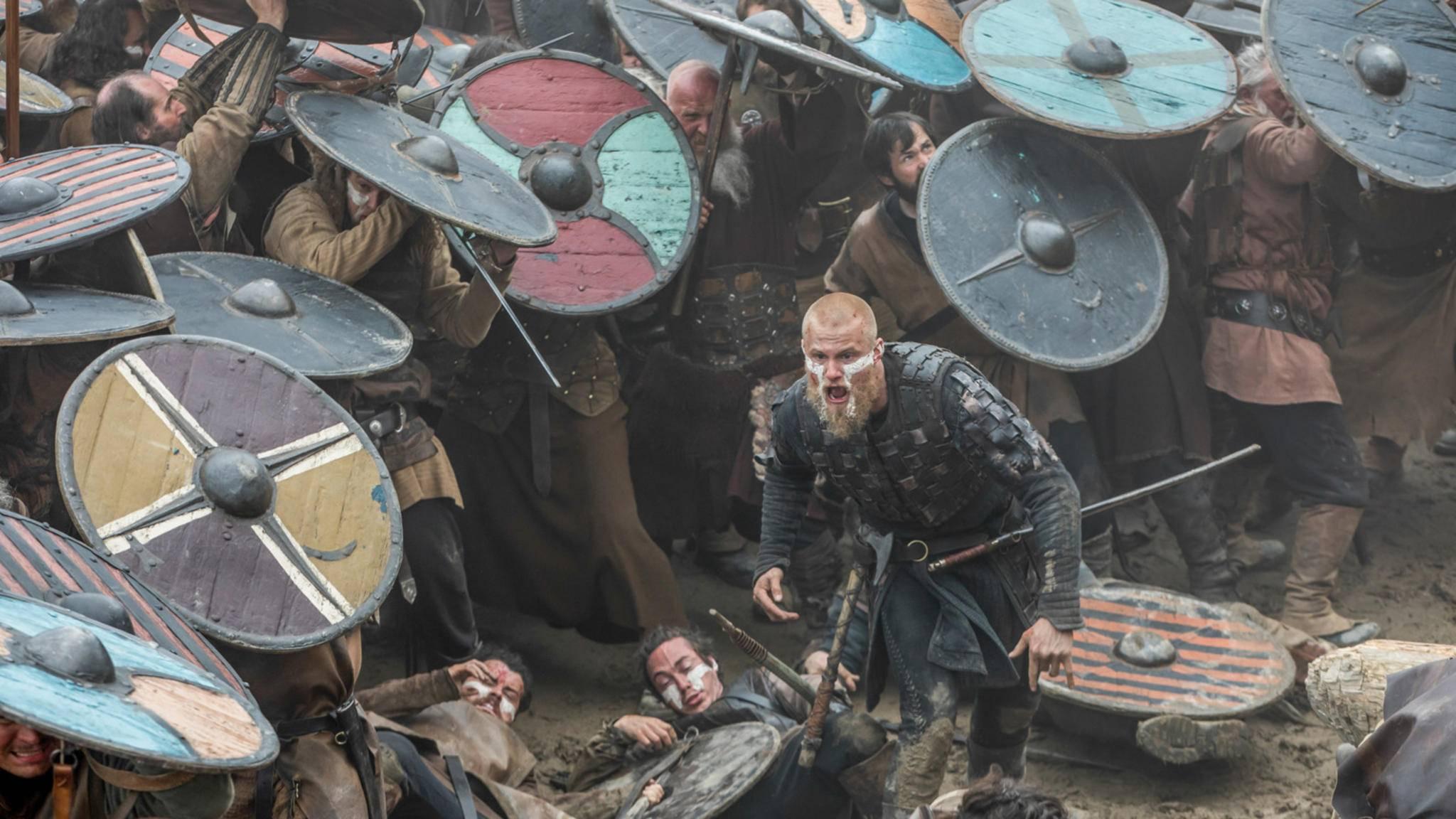 Vikings Alexander Ludwig als Bjorn Eisenseite in der Schlacht