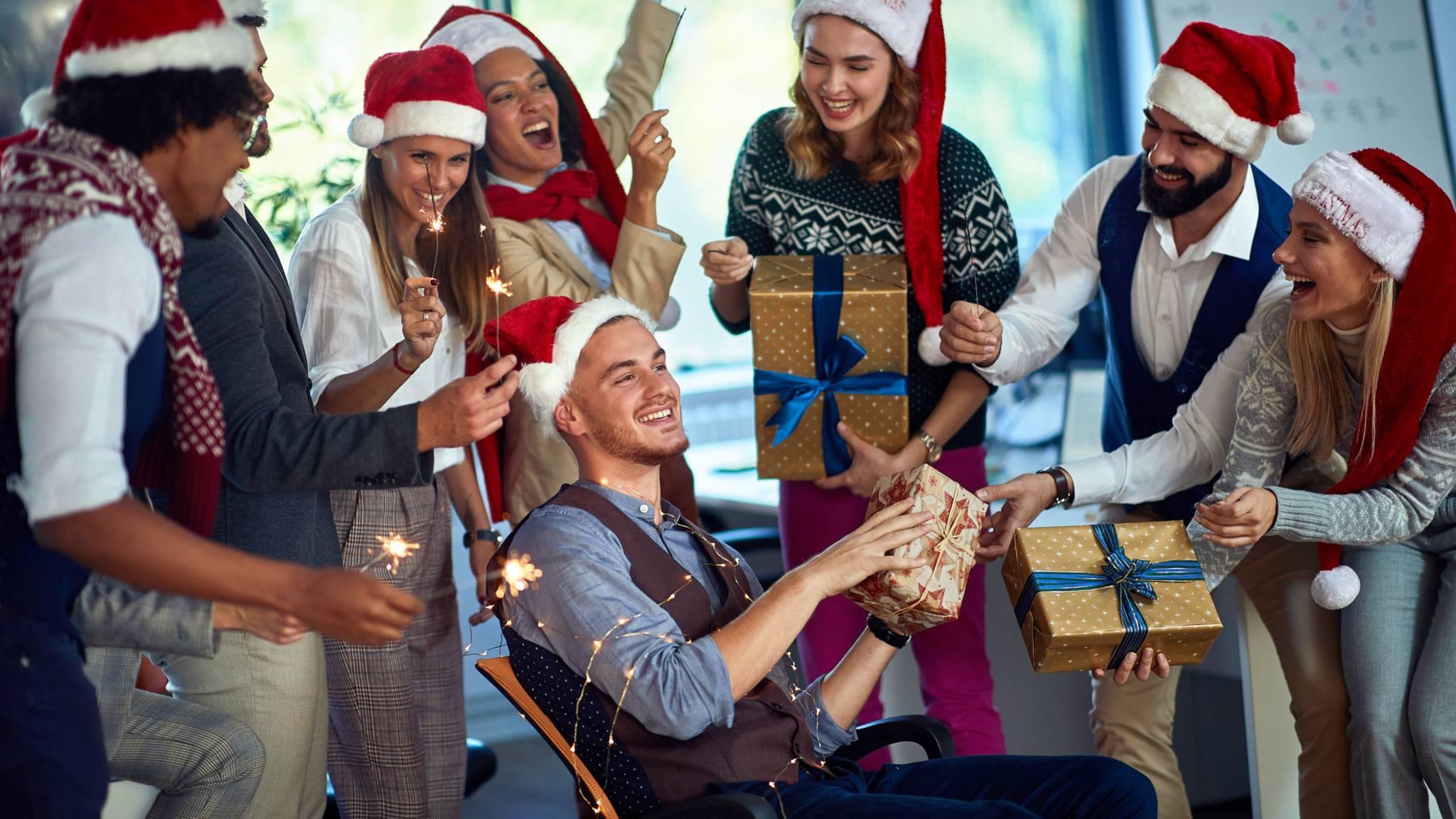 Weihnachten-Geschenke-Mann-Kollegen