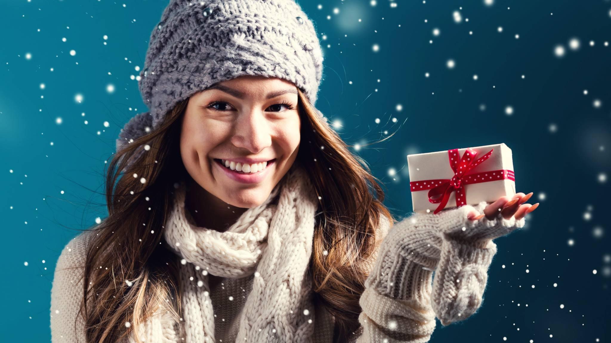frau-geschenk-weihnachten