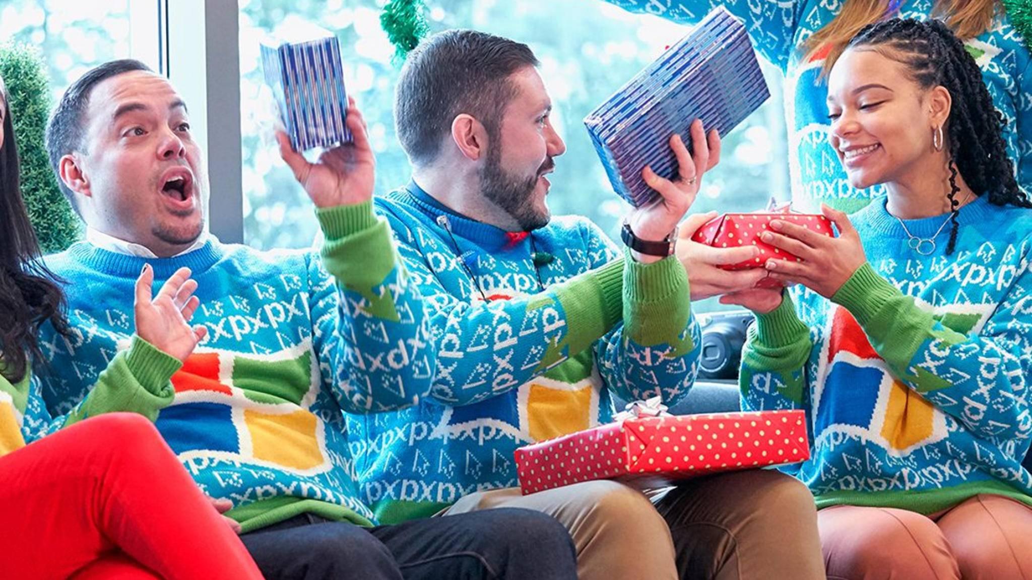 Die grellen Farben des Microsoft-Logos eignen sich hervorragend für den beliebten Weihnachtspullover.