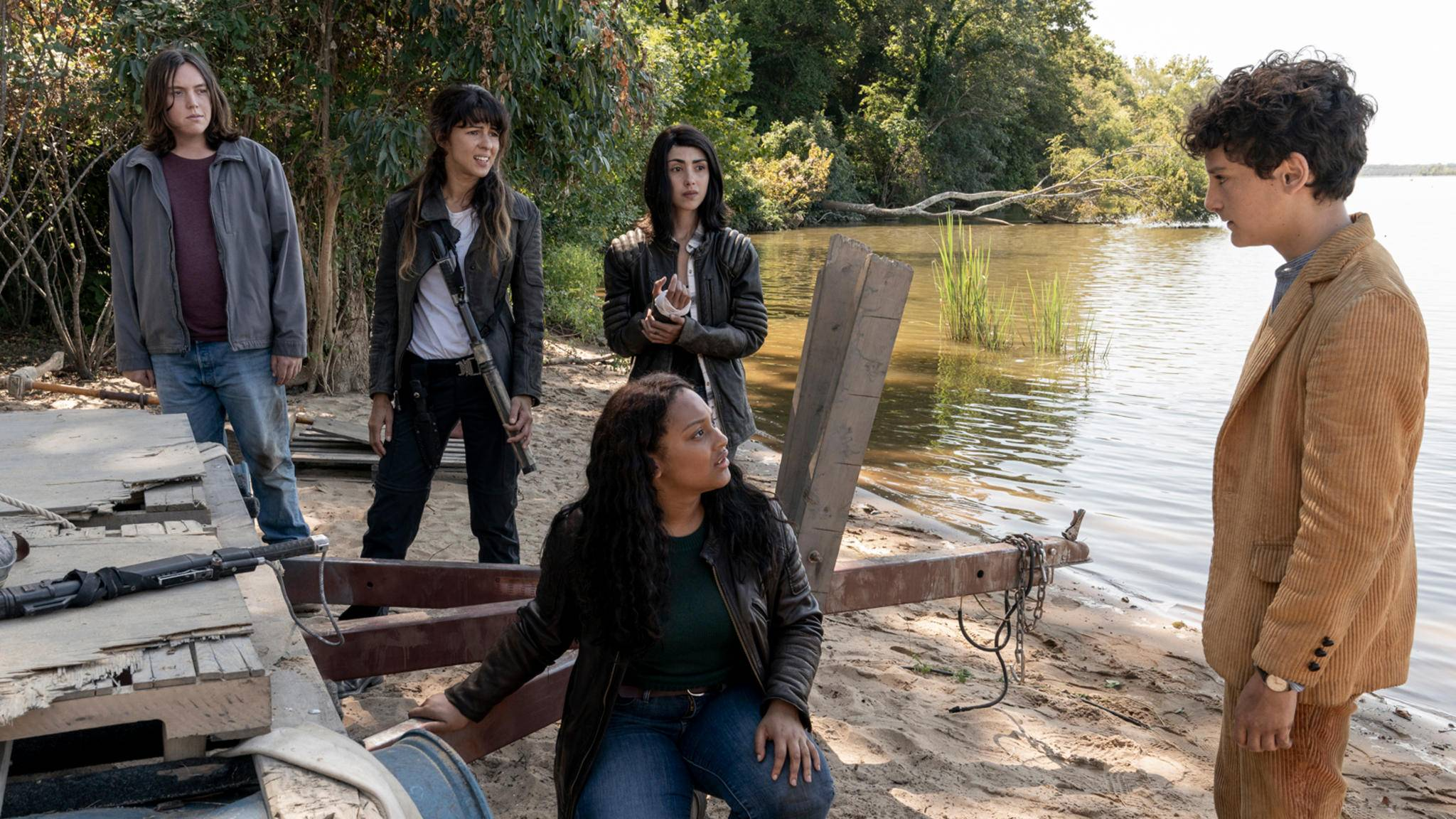 Alexa Mansour, Aliyah Royale, Hal Cumpston und mehr in The Walking Dead: World Beyond