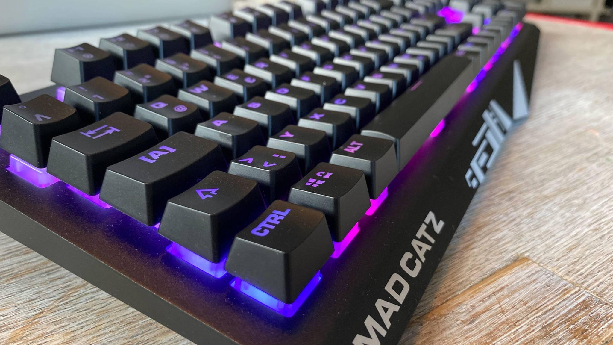 mad-catz-strike-2-gaming-keyboard-02