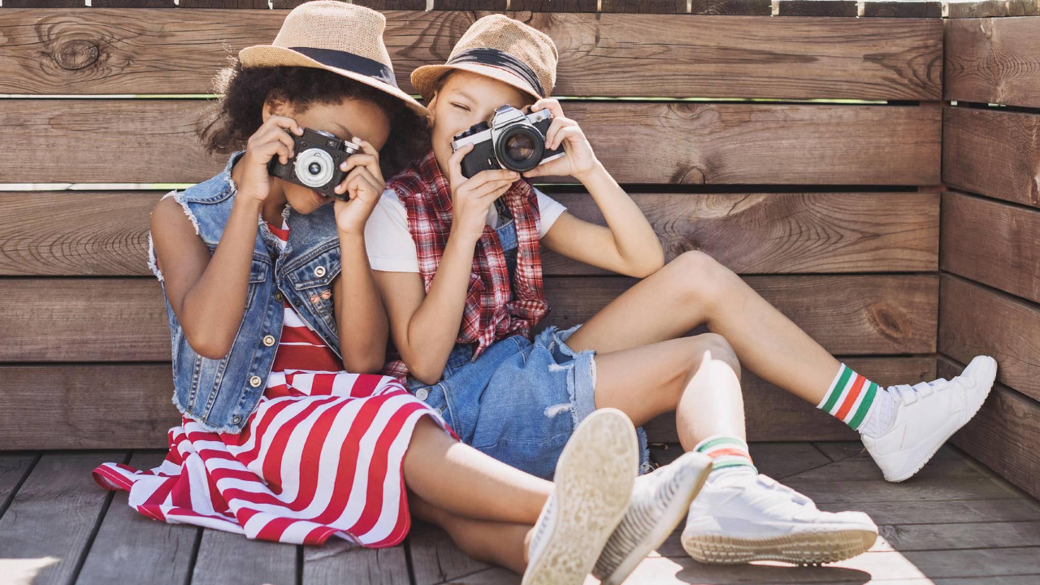 Kinder lieben es, sich mit einer geeigneten Kamera kreativ auszutoben.