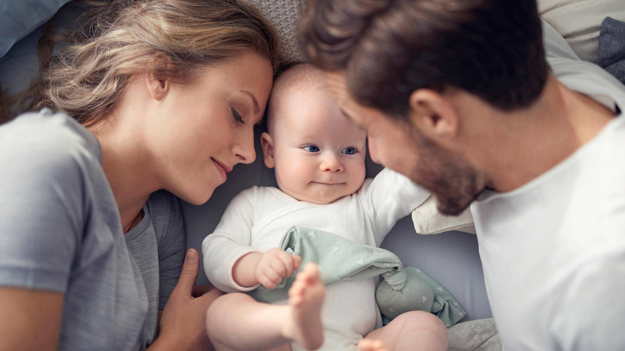 Baby Eltern bett