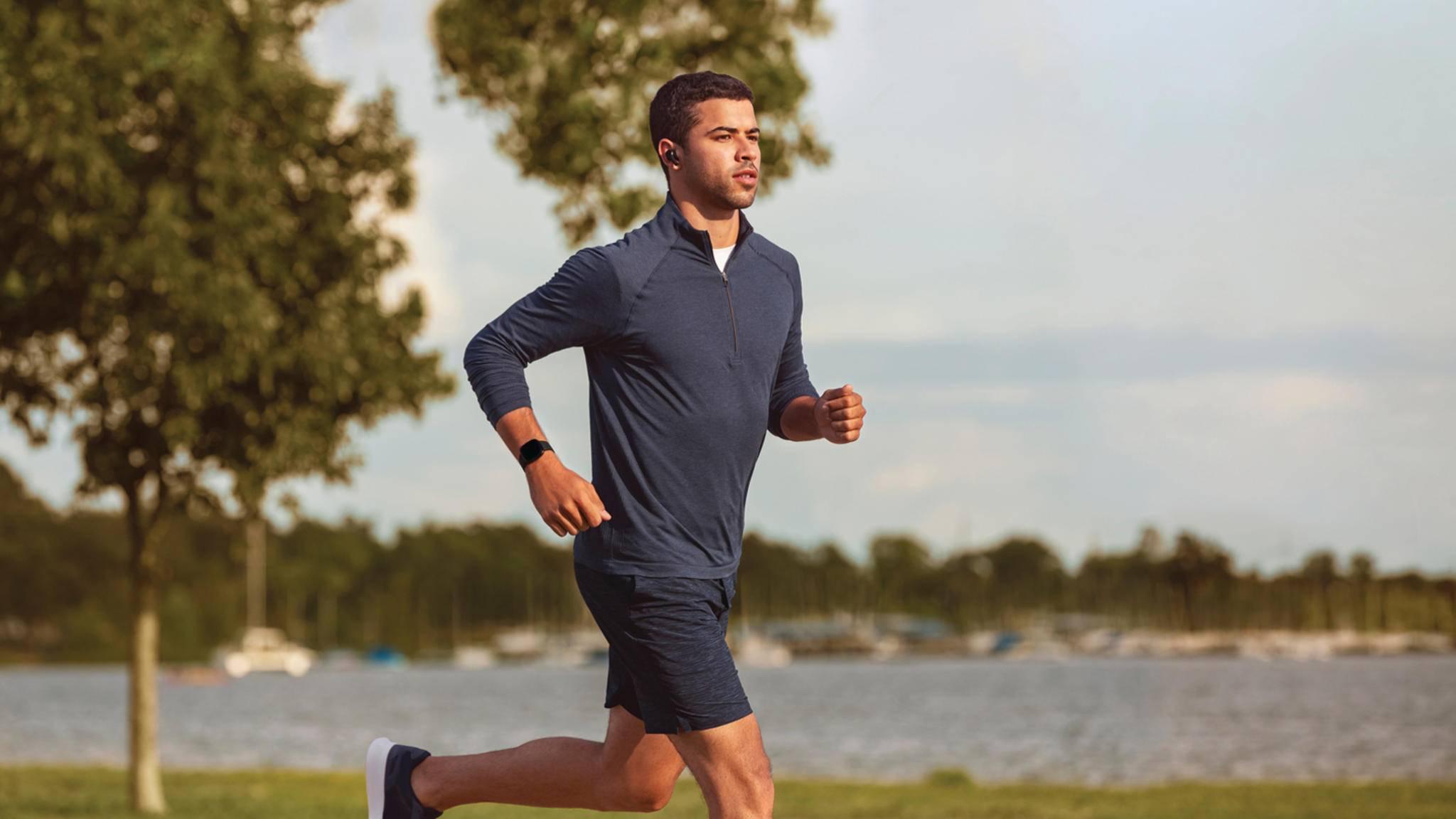 Fitbit Versa 3 Jogging Jogger