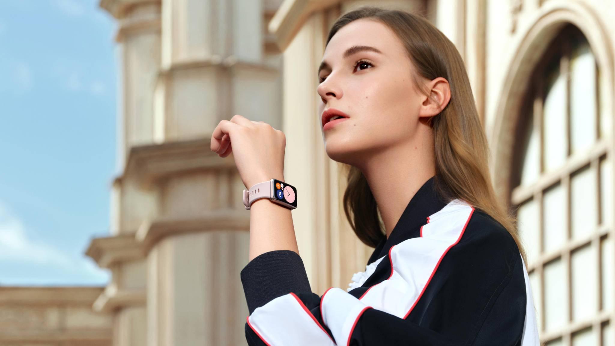 huawei-watch-fit-lifestyle-frau-1