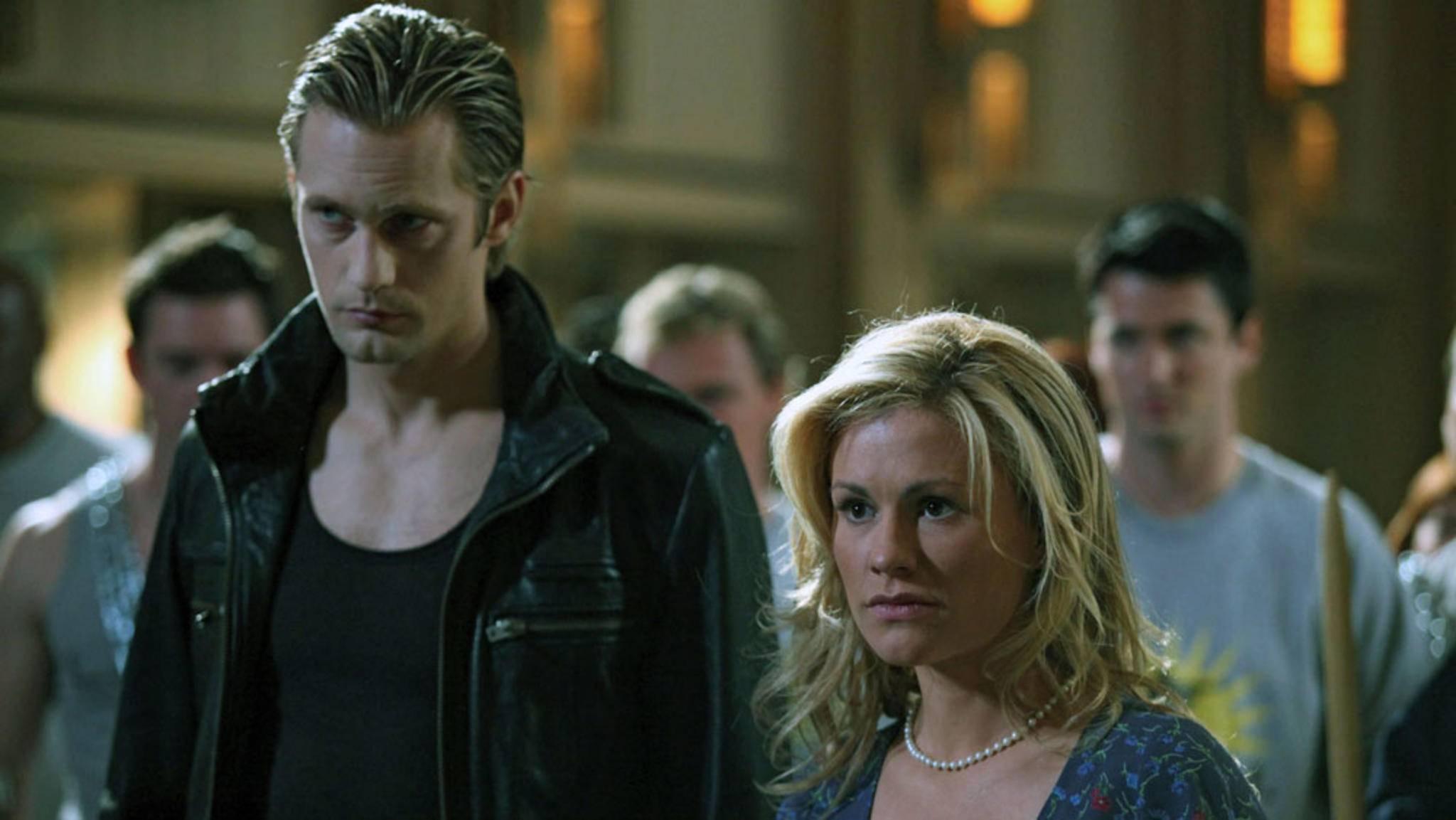 """Kellnerin Sookie (Anna Paquin, rechts) stand im Zentrum des Geschehens von """"True Blood""""."""