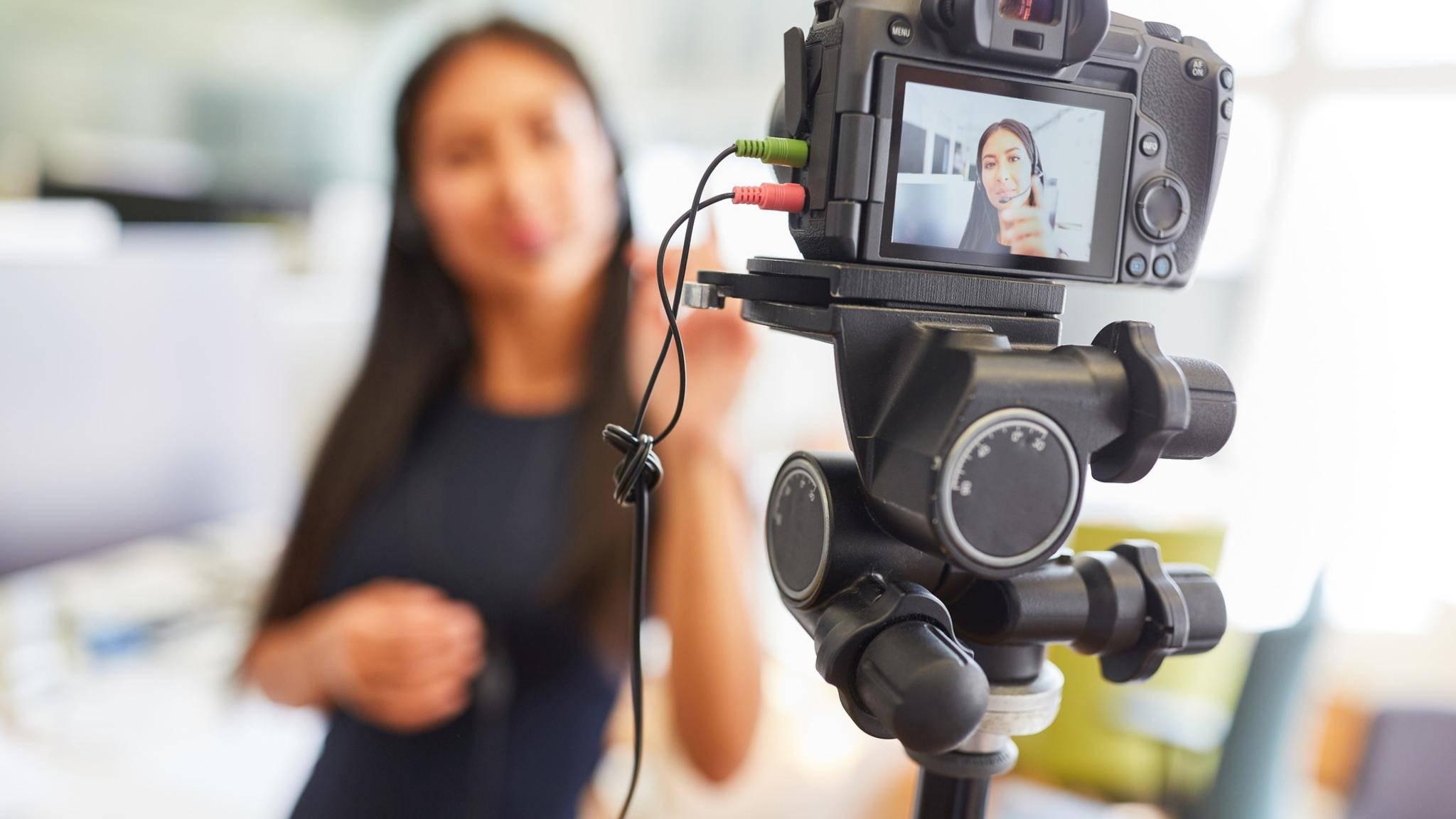 Eine DSLR macht sich auch gut als Webcam.