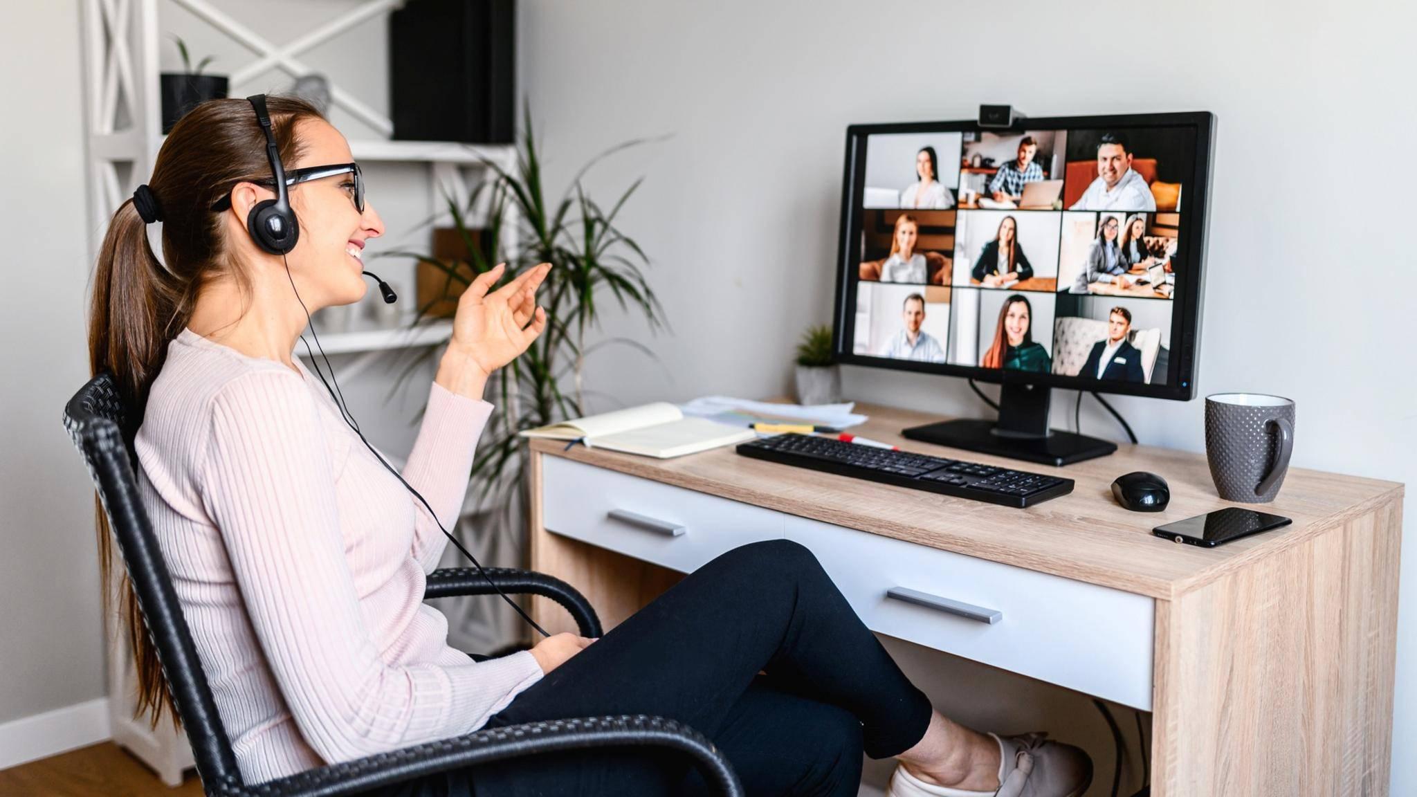 videokonferenz-frau-home-office