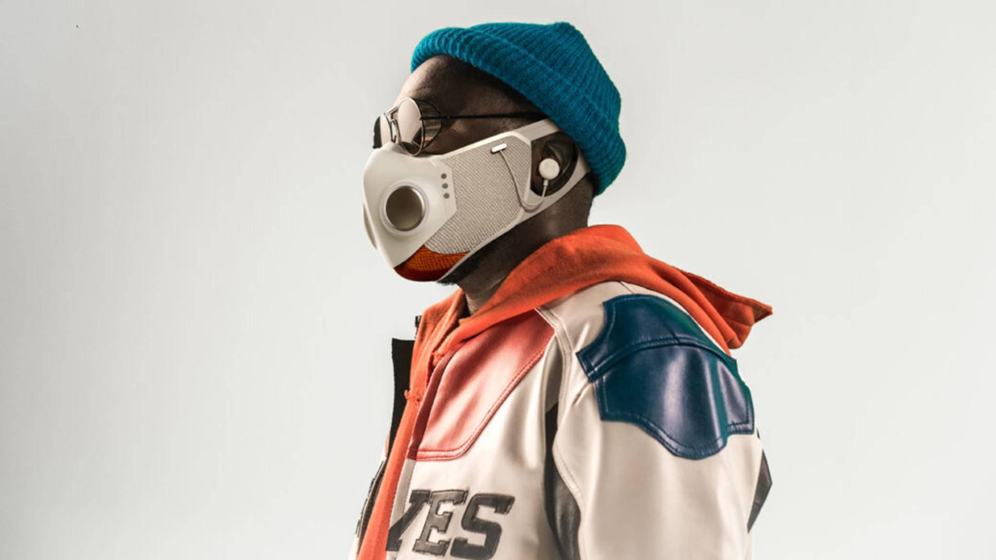 Will.i.am hat eine Corona-Schutzmaske mit Noise-Cancelling-Kopfhörern entwickelt.