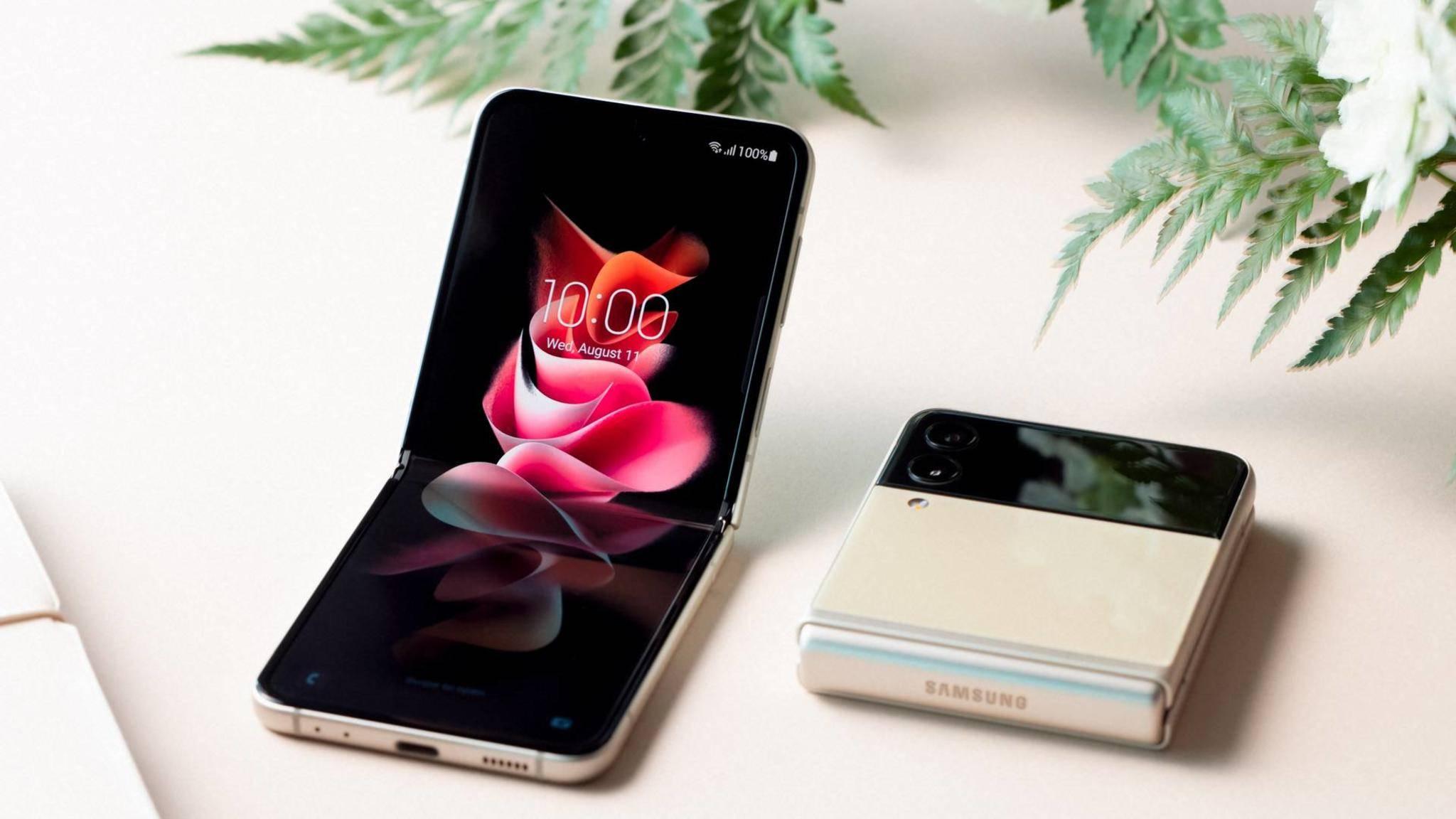 Das Galaxy Z Flip 3 will mit hochwertiger Verarbeitung, spannenden Features und einem vergleichsweise günstigen Preis überzeugen.