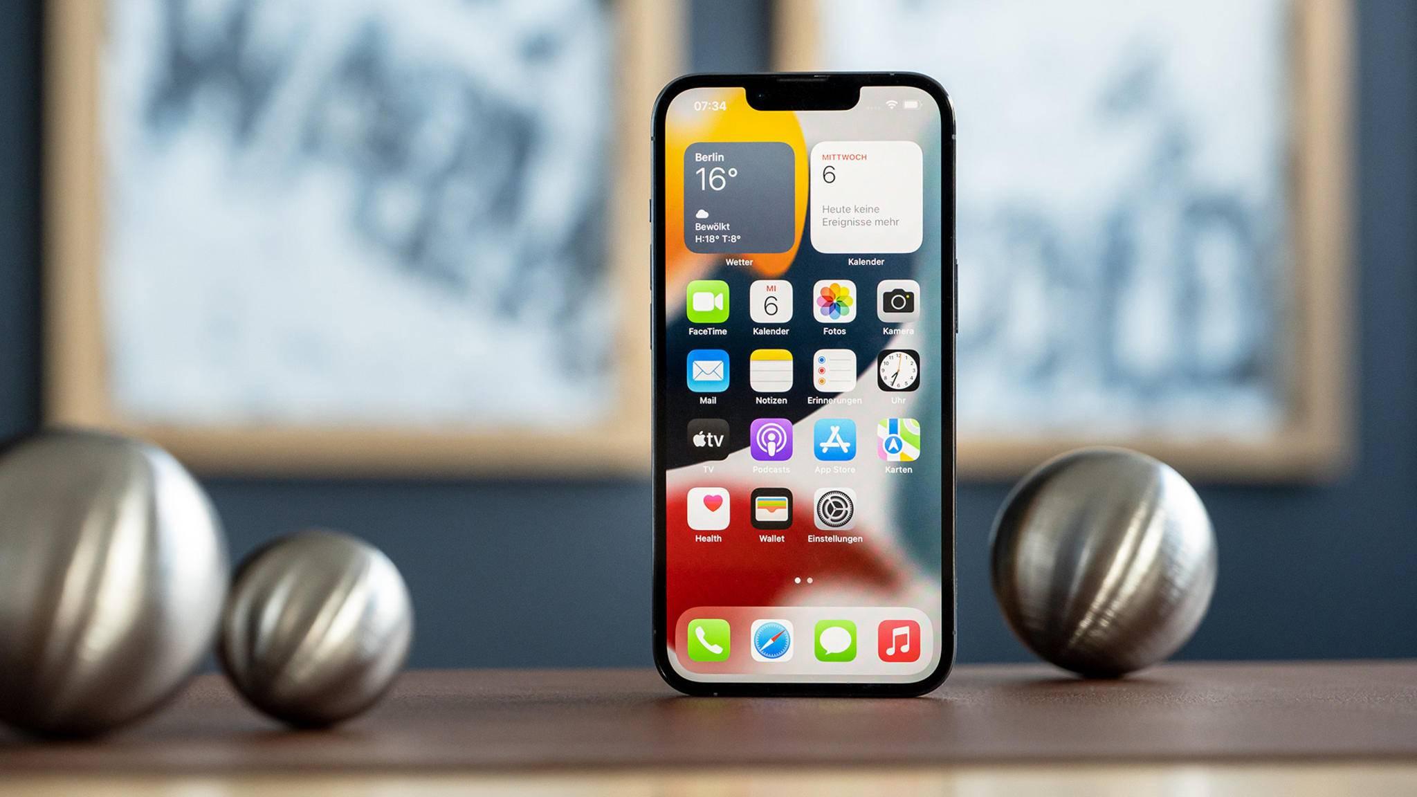 Optisch hat sich beim iPhone 13 Pro kaum etwas geändert – die Verbesserungen befinden sich im Inneren.