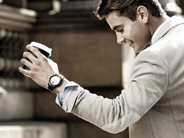 Neue Smartwatches mit Android Wear kommen zur IFA 2015.