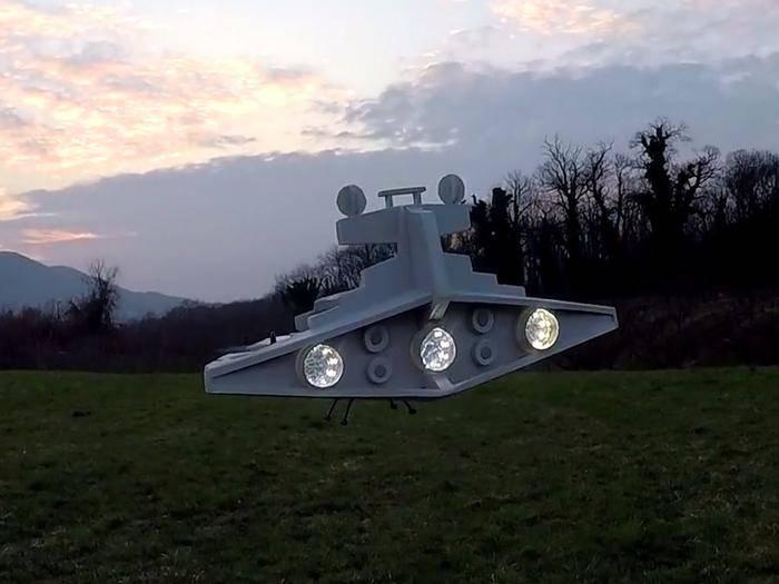 """Sternenzerstörer im Miniformat: Diese Drohne begeistert jeden """"Star Wars""""-Fan."""