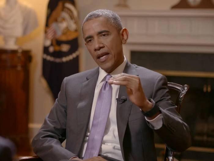 Obama hat keine Apple Watch sondern ein Fitbit Surge.