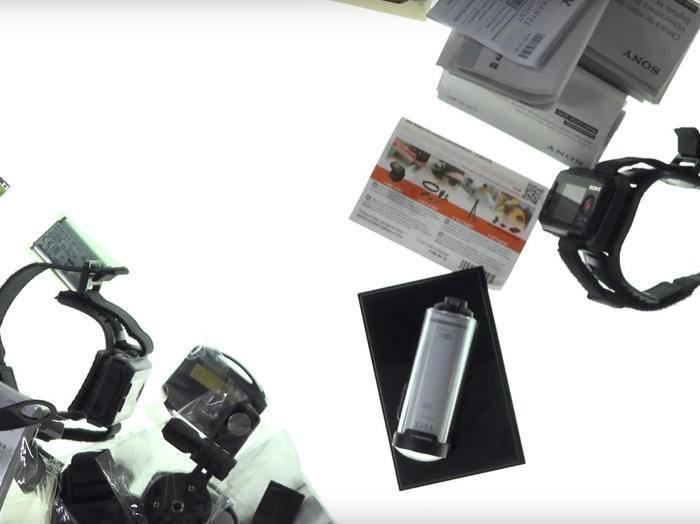 Was ist was? Die Action-Cams von Sony bieten umfangreiches Zubehör.