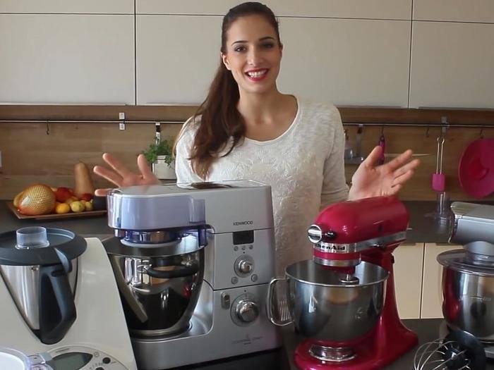Sally informiert über Thermomix, Cooking Chef und KitchenAid.
