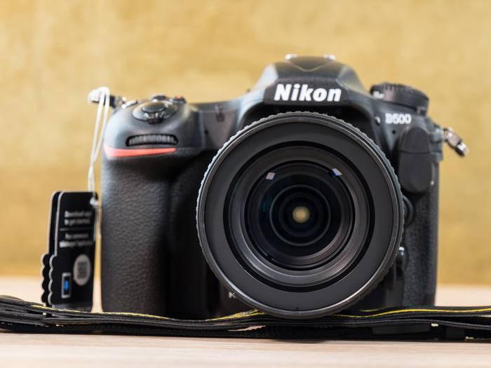 Die Nikon D500 ist die kleine Schwester der D5 – und schon eine Große.
