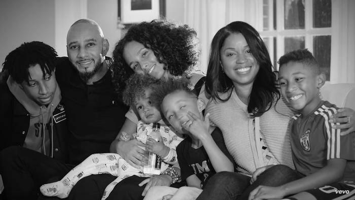 "Herzerwärmende Szenen zeigt das Video zu Alicia Keys' neuer Single ""Blended Family""."