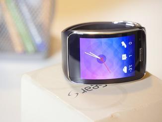 Die Samsung Gear S kann eigenständig telefonieren.
