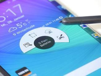 Ein Druck auf den Knopf am Stift öffnet ein Zusatzmenü.