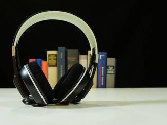 Der Urbanite XL Wireless ist nur unwesentlich günstiger als der Konkurrent Beats Solo 2 Wireless.