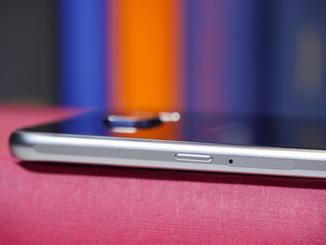 Ein Micro-SD-Kartenslot? Fehlanzeige. Hier kommt die Nano-SIM hinein.