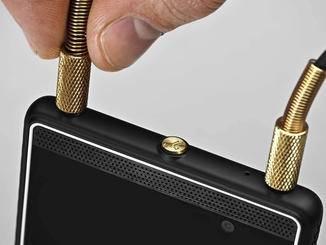Zwei Audio-Anschlüsse sind für ein Smartphone alles andere als gewöhnlich.