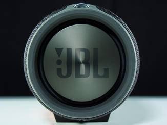 Der JBL Xtreme punktet mit satten Bässen.
