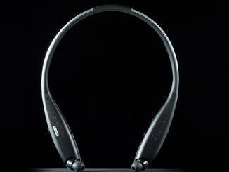 Der LG Tone Infinim wird nicht auf den Kopf, sondern um den Nacken gelegt.