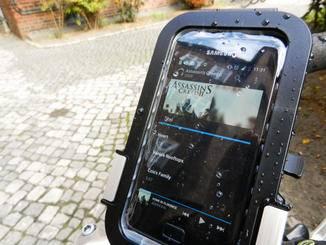 Das VEHO Outdoor Smartphone Case schützt das Mobiltelefon...