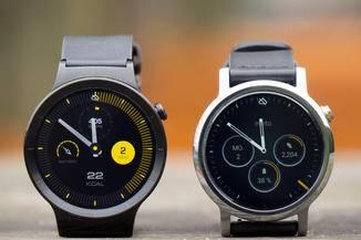 Die Displays der Smartwatches nehmen sich nicht viel.