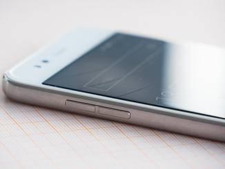 Im Inneren des Gerätes werkeln ein Snapdragon 810 und 3 GB RAM.