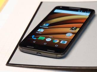 Insgesamt liegt das Smartphone gut in der Hand.